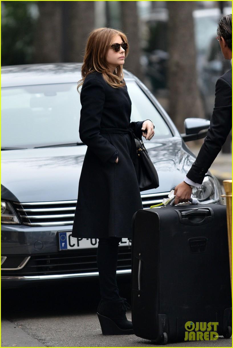 chloe moretz paris fashion week fun 032794988