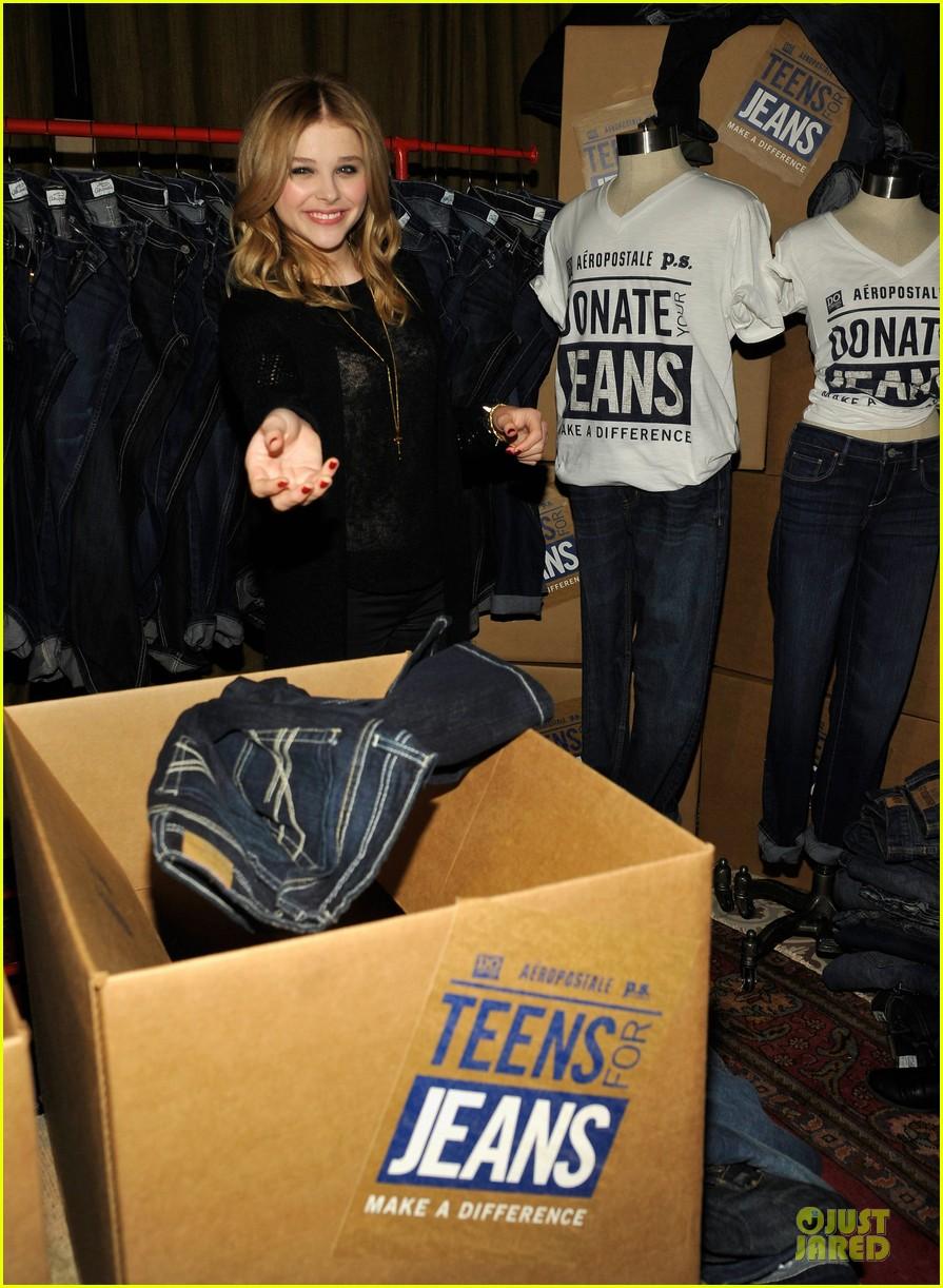 chloe moretz teens for jeans host 102787321