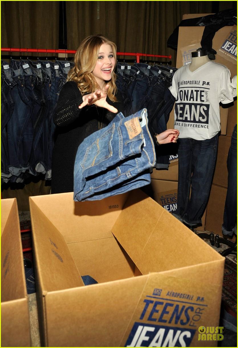 chloe moretz teens for jeans host 112787322
