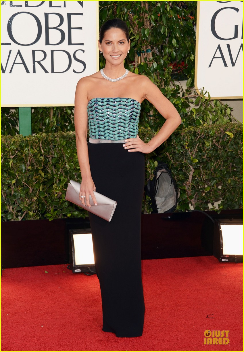 olivia munn golden globes 2013 red carpet 012790904