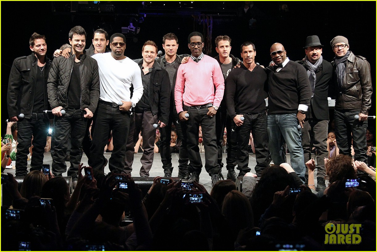 nkotb 98 degrees boys ii men tour announcement show 29