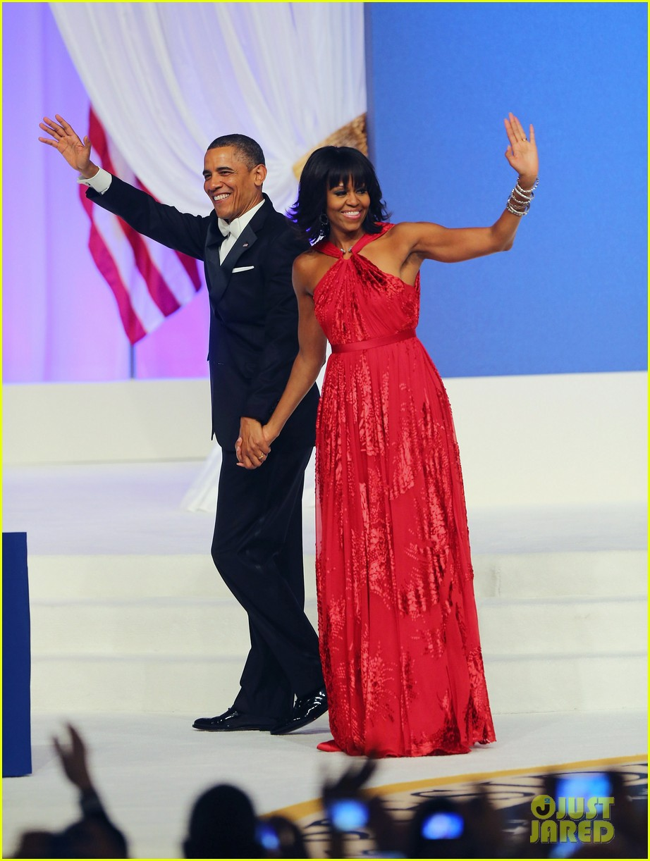 president barack obama michelle inaugural ball dance video 01
