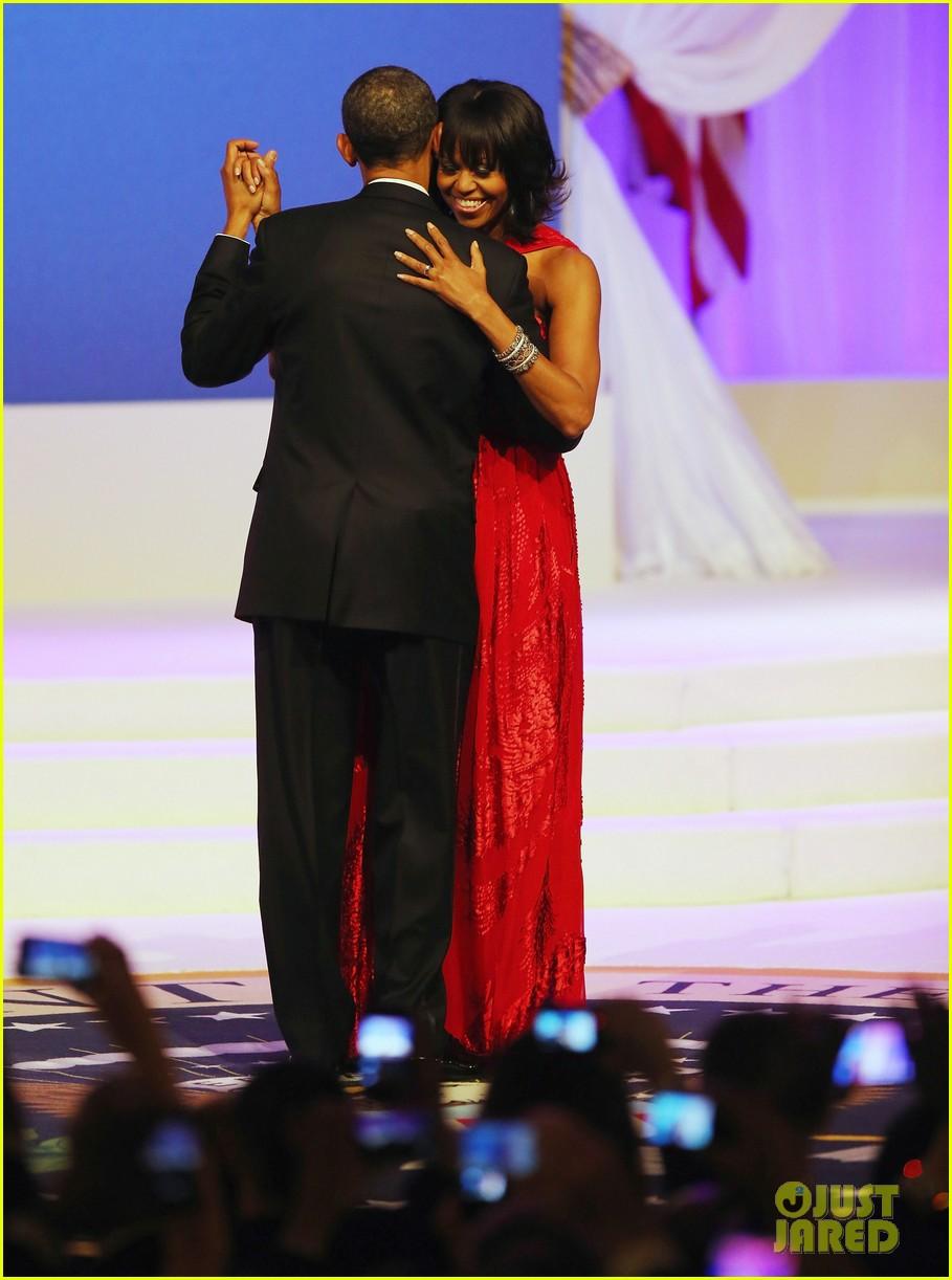 president barack obama michelle inaugural ball dance video 032796405