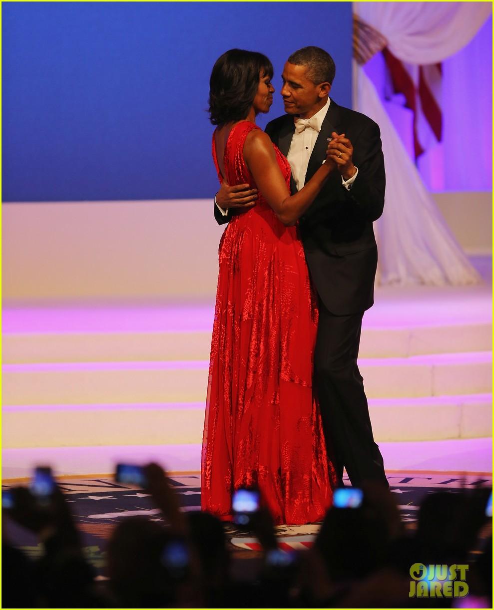 president barack obama michelle inaugural ball dance video 092796411