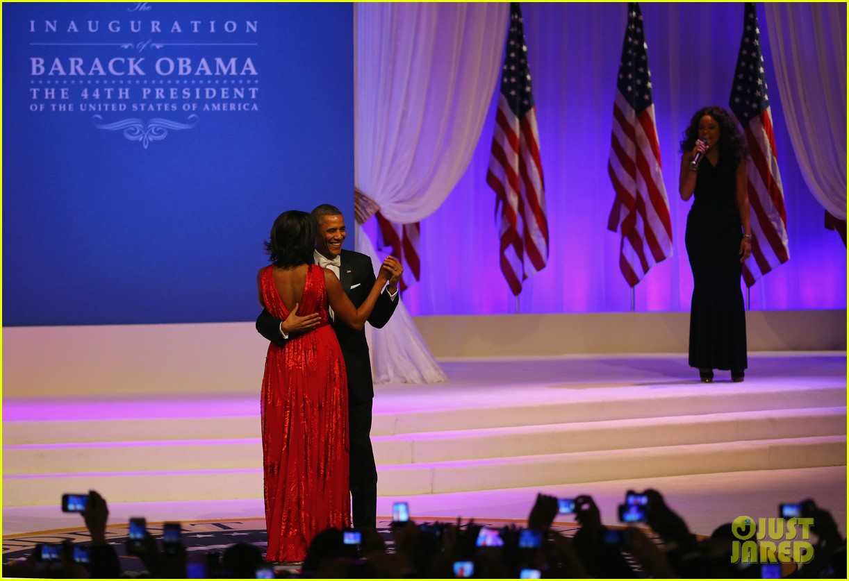president barack obama michelle inaugural ball dance video 122796414