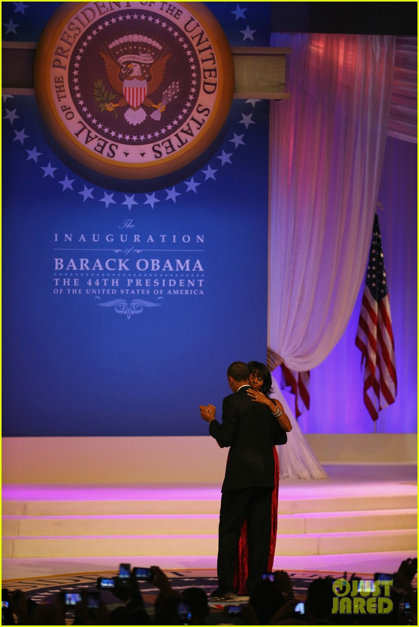 president barack obama michelle inaugural ball dance video 142796416