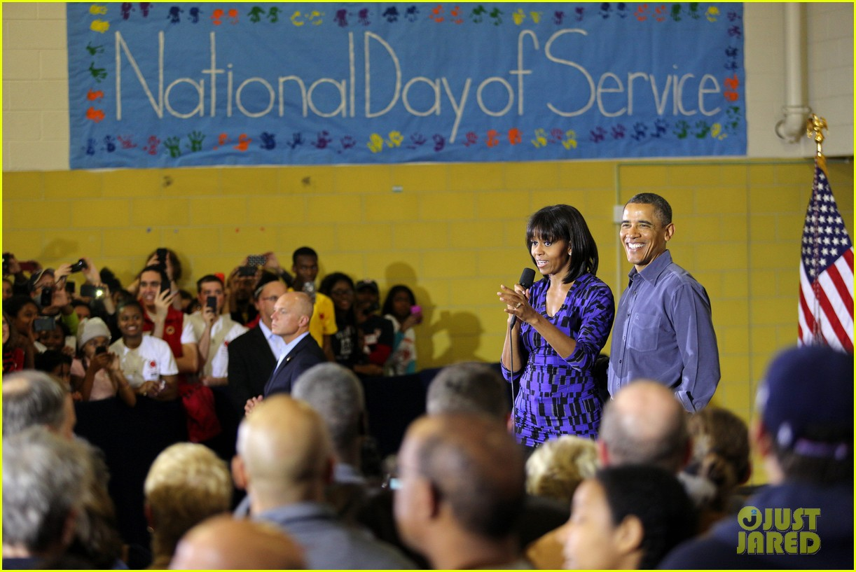 barack obama national day of service with michelle 022794944