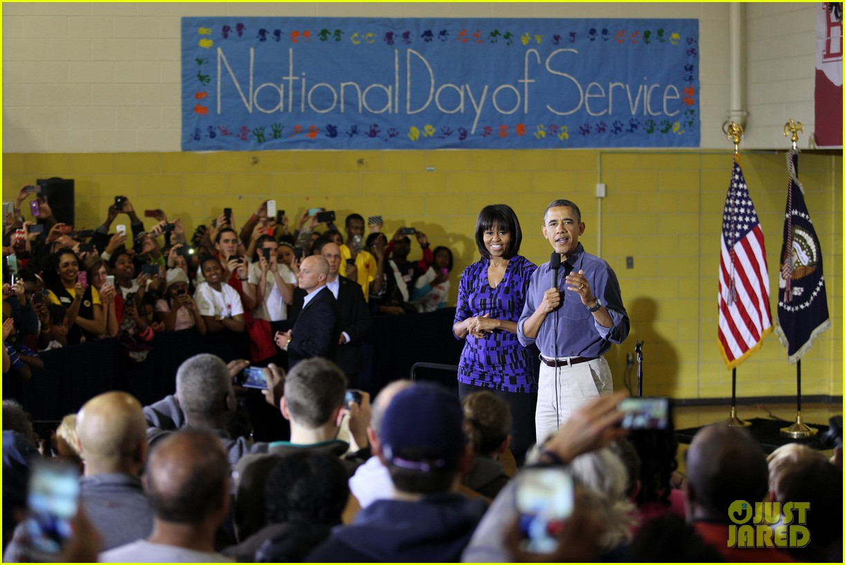 barack obama national day of service with michelle 072794949
