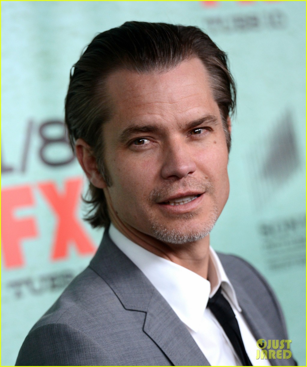 timothy olyphant joelle carter justified season four premiere 172785557