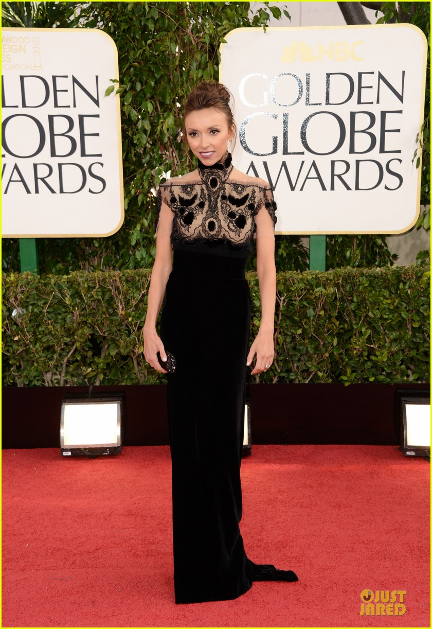 kelly osbourne giuliana rancic golden globes 2013 red carpet 132790830
