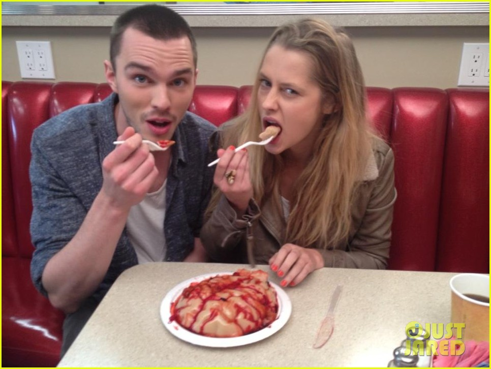 newly single teresa palmer eats brains with nicholas hoult 02