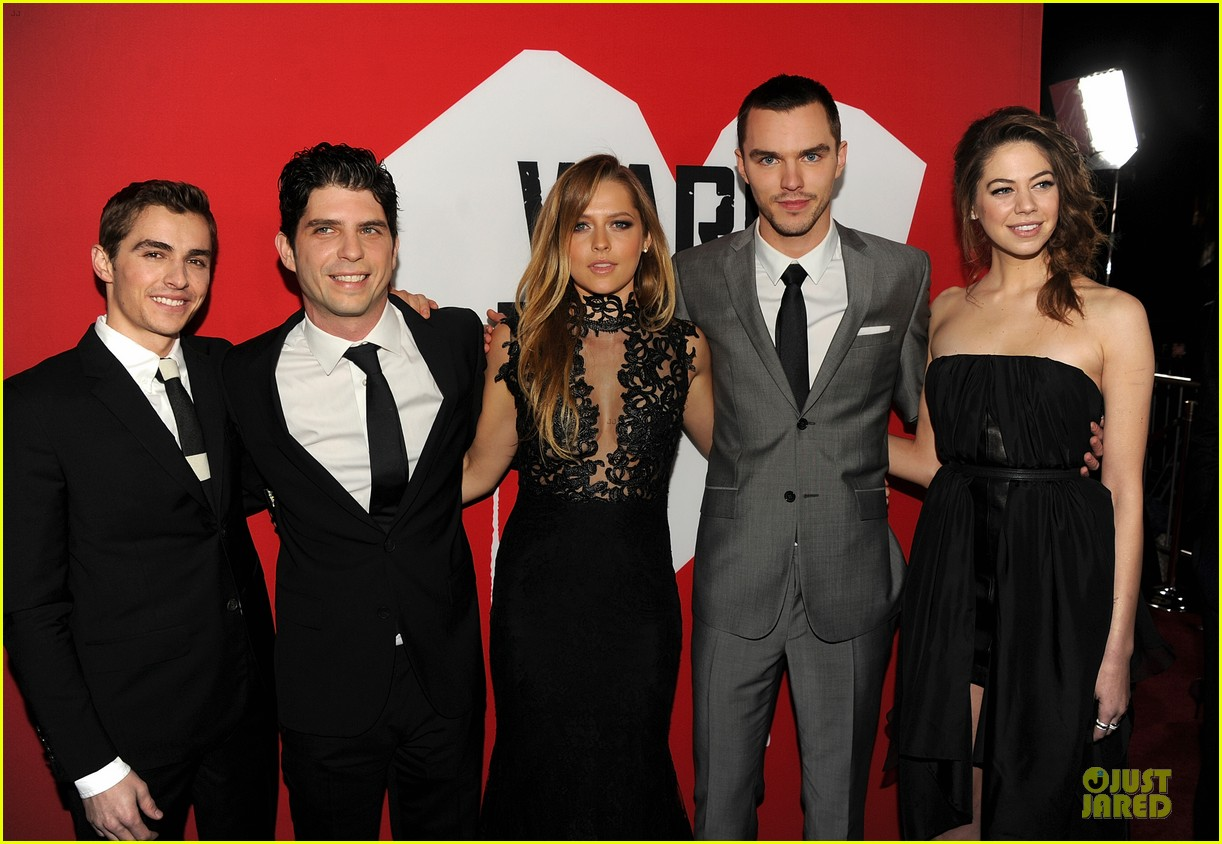 teresa palmer nicholas hoult warm bodies hollywood premiere 032801114