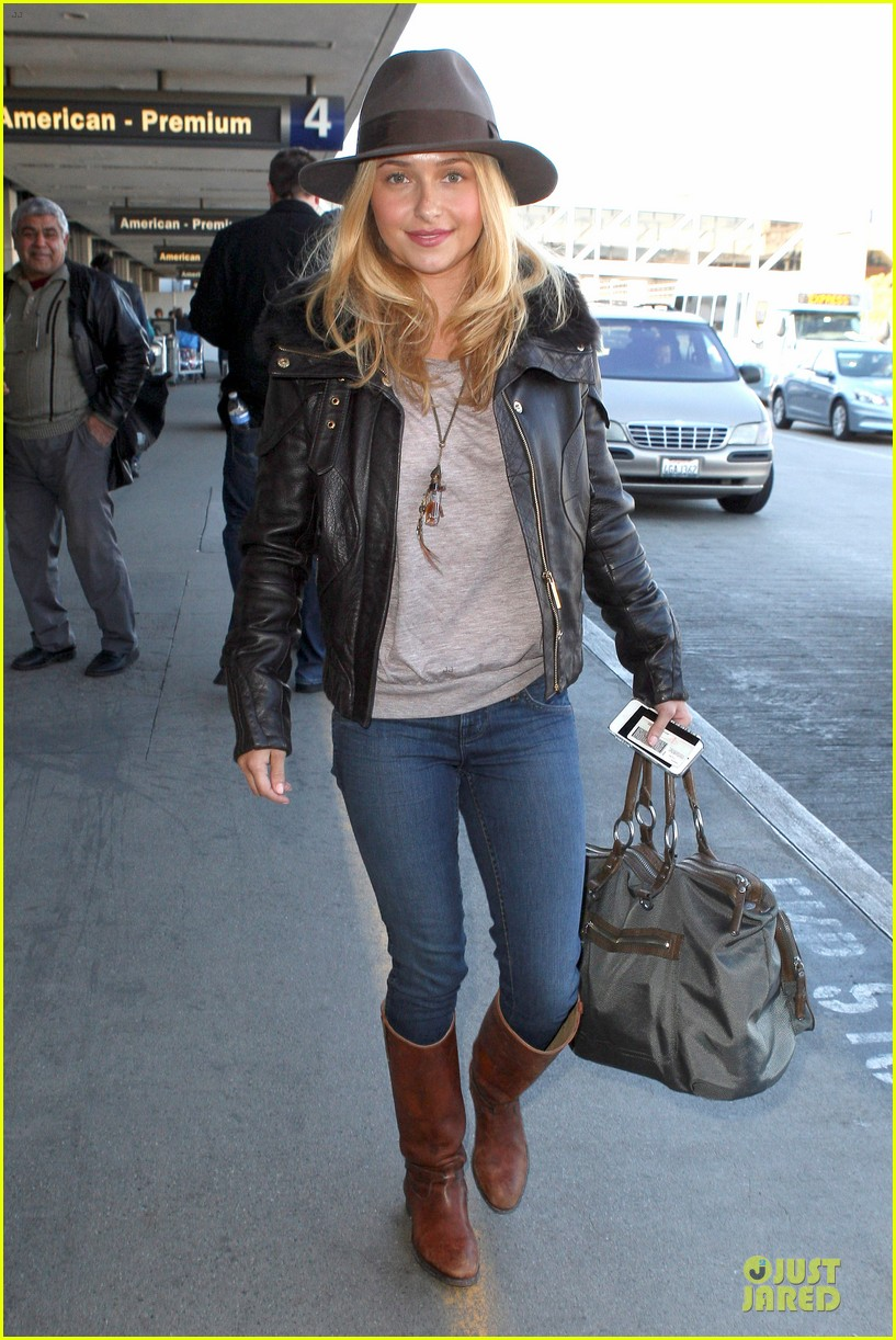 hayden panettiere post golden globes los angeles departure 01