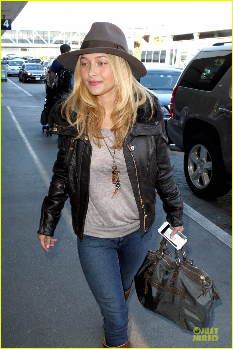 hayden panettiere post golden globes los angeles departure 02