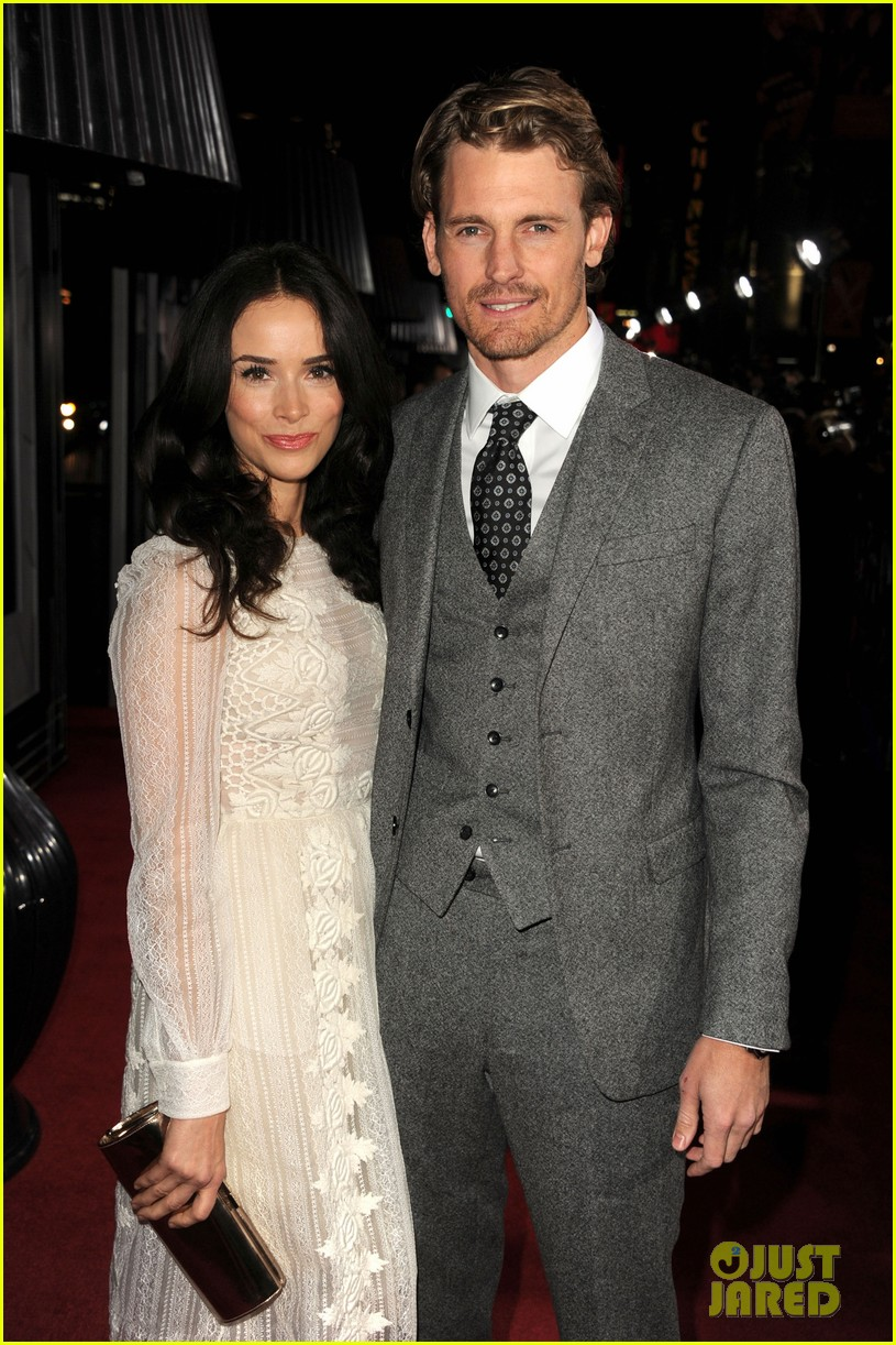 abigail spencer josh pence gangster squad premiere pair 092786529
