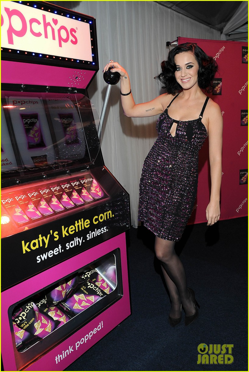 katy perry cross dressed for ellen before pop chips event 022798452