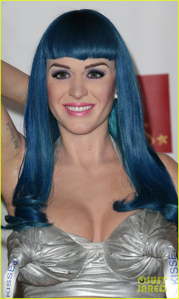 katy perry wax figure unveiled 03