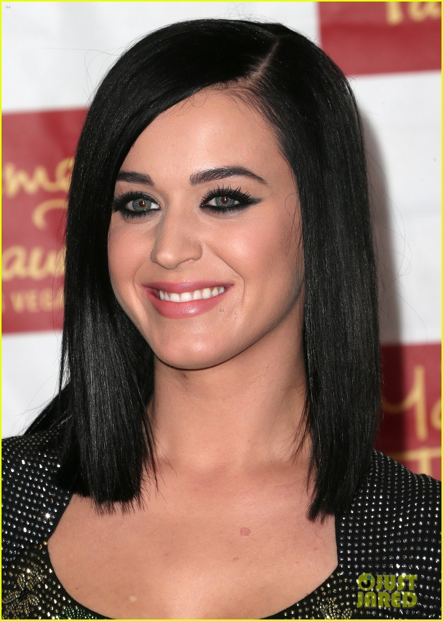 katy perry wax figure unveiled 102799084