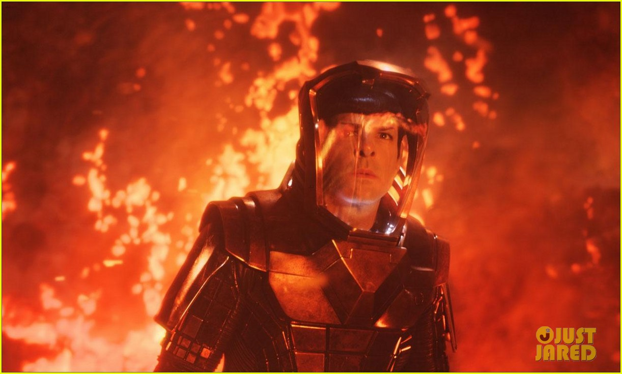chris pine new star trek into darkness stills 052784629