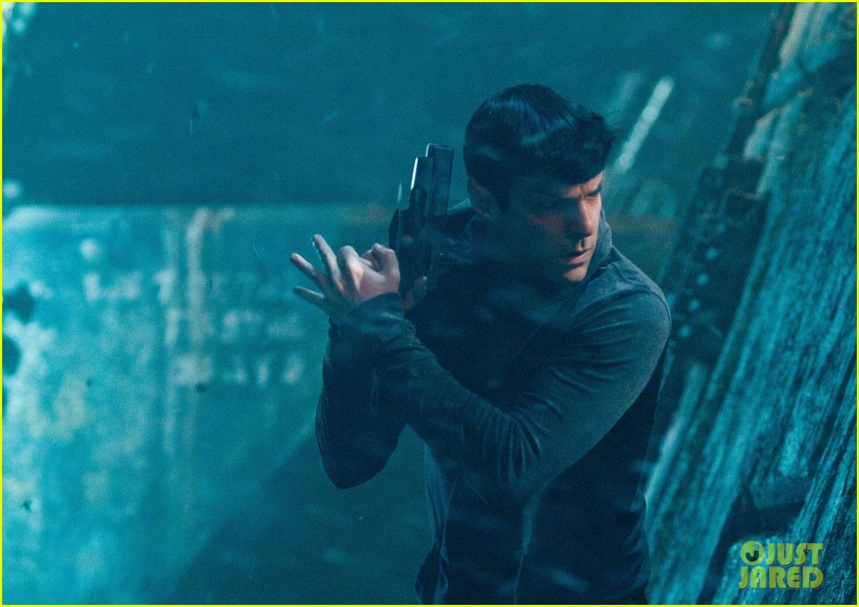 chris pine new star trek into darkness stills 082784632