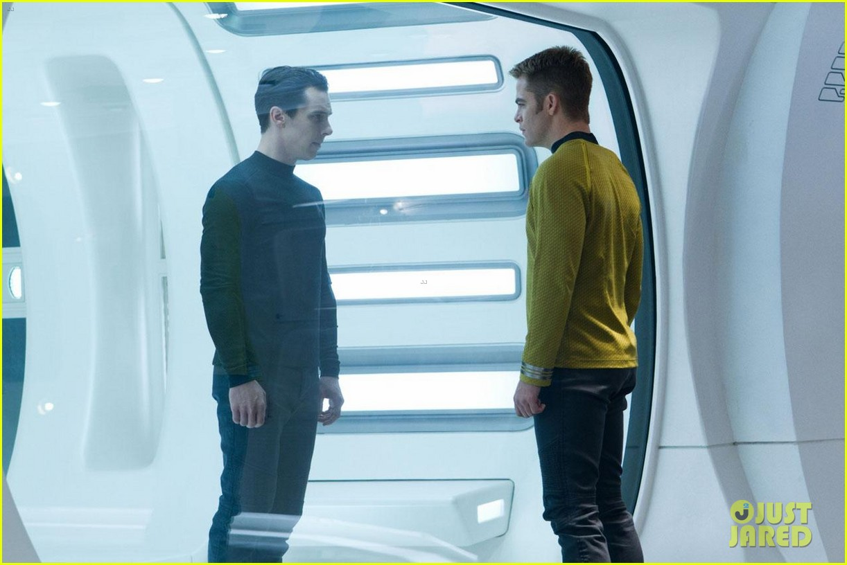 chris pine new star trek into darkness stills 102784634