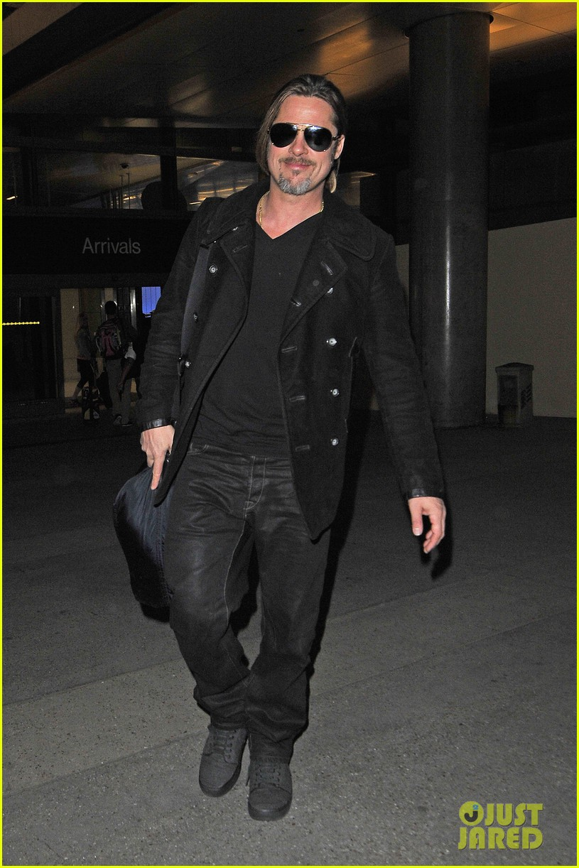 brad pitt solo touch down in los angeles 012802057