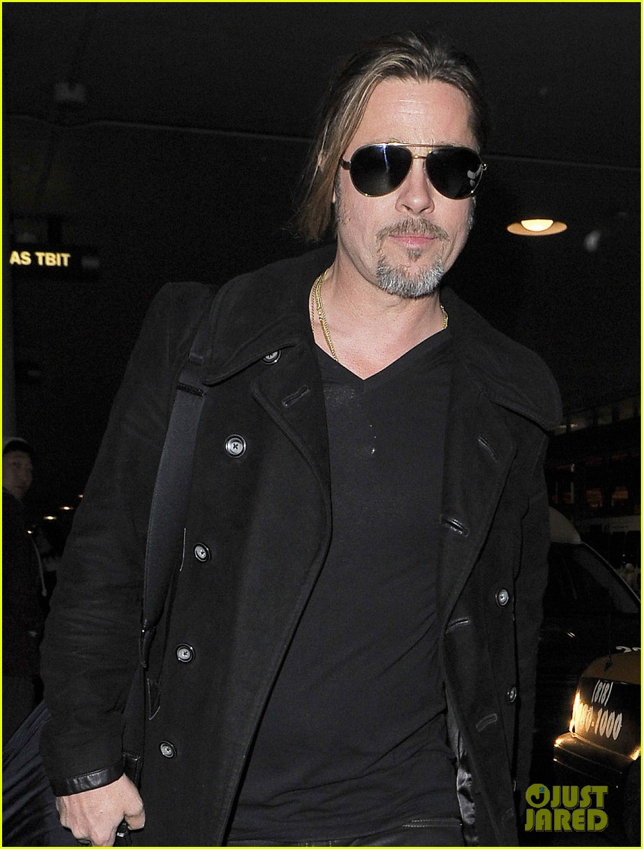 brad pitt solo touch down in los angeles 022802058