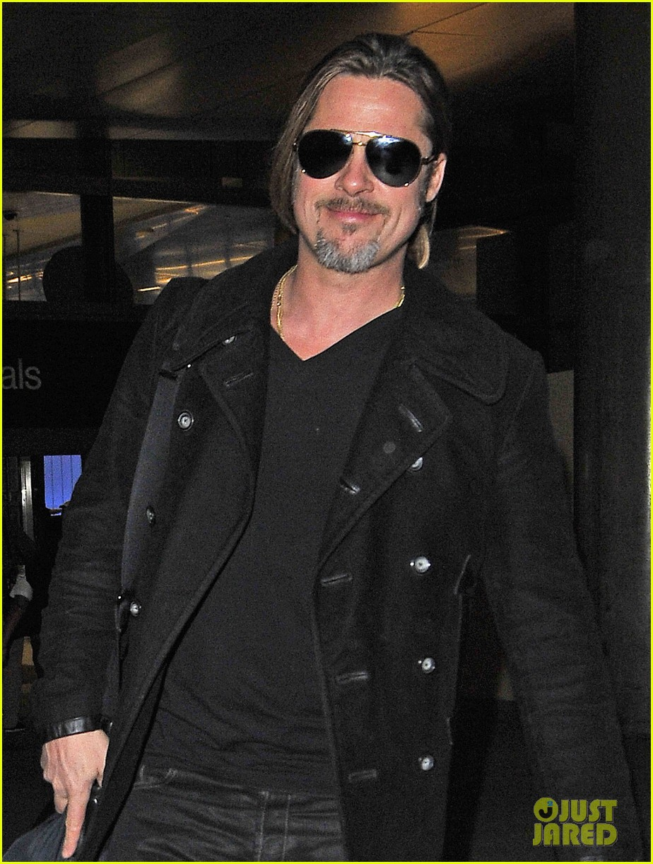 brad pitt solo touch down in los angeles 052802061