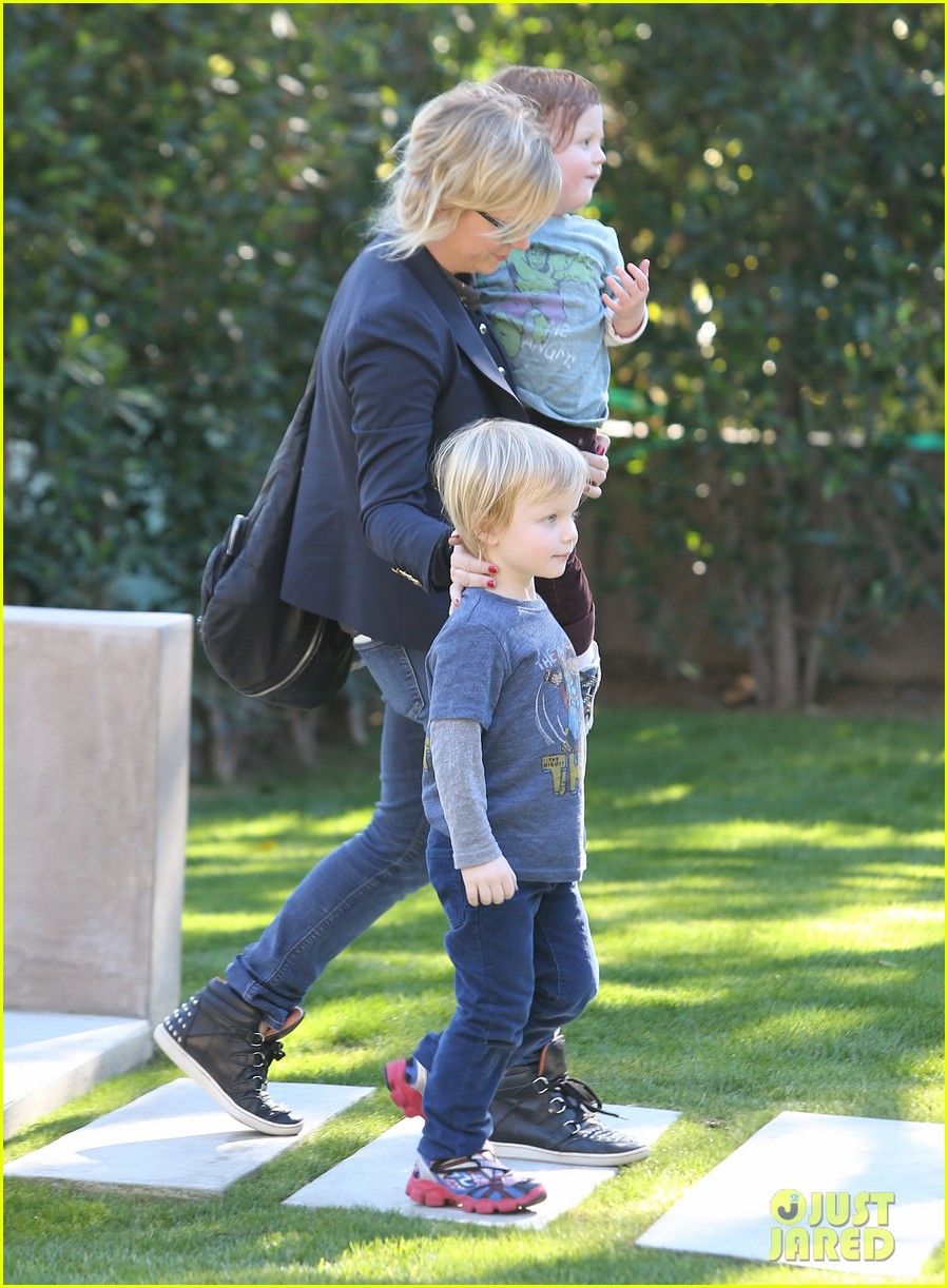 amy poehler birthday party with archie abel 142795275