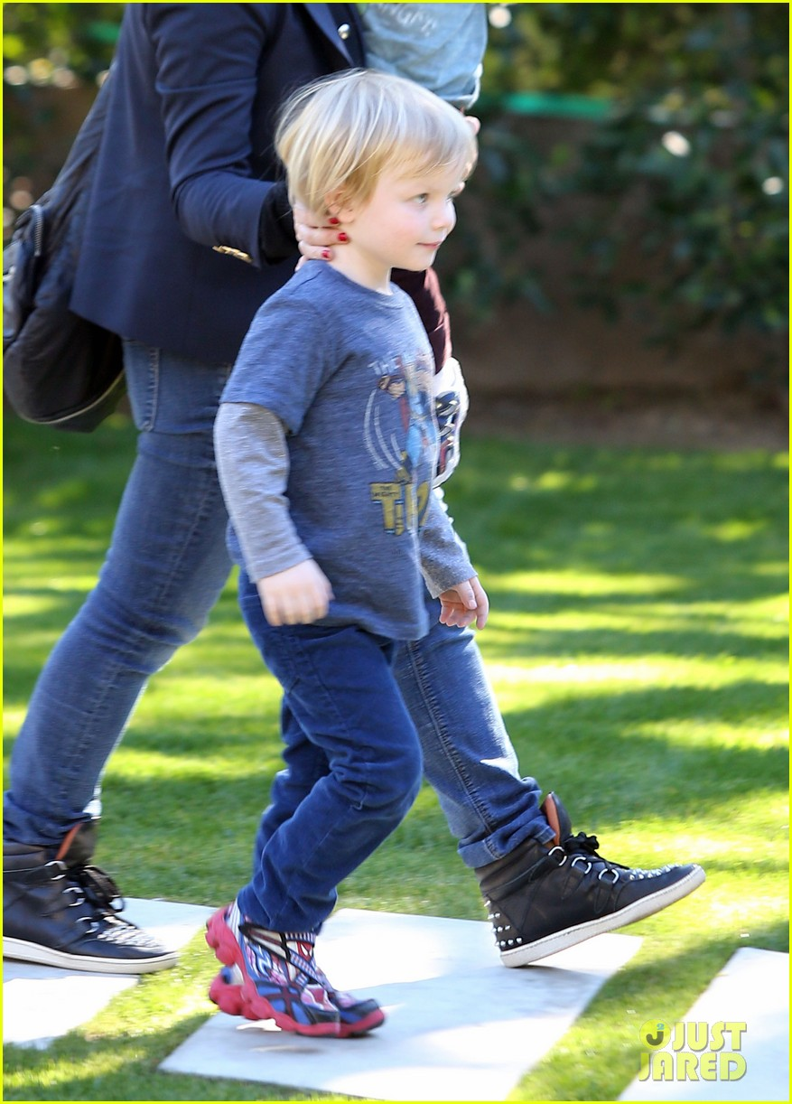 amy poehler birthday party with archie abel 152795276