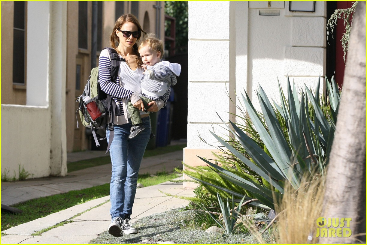natalie portman aleph visit friends in beverly hills 042787651