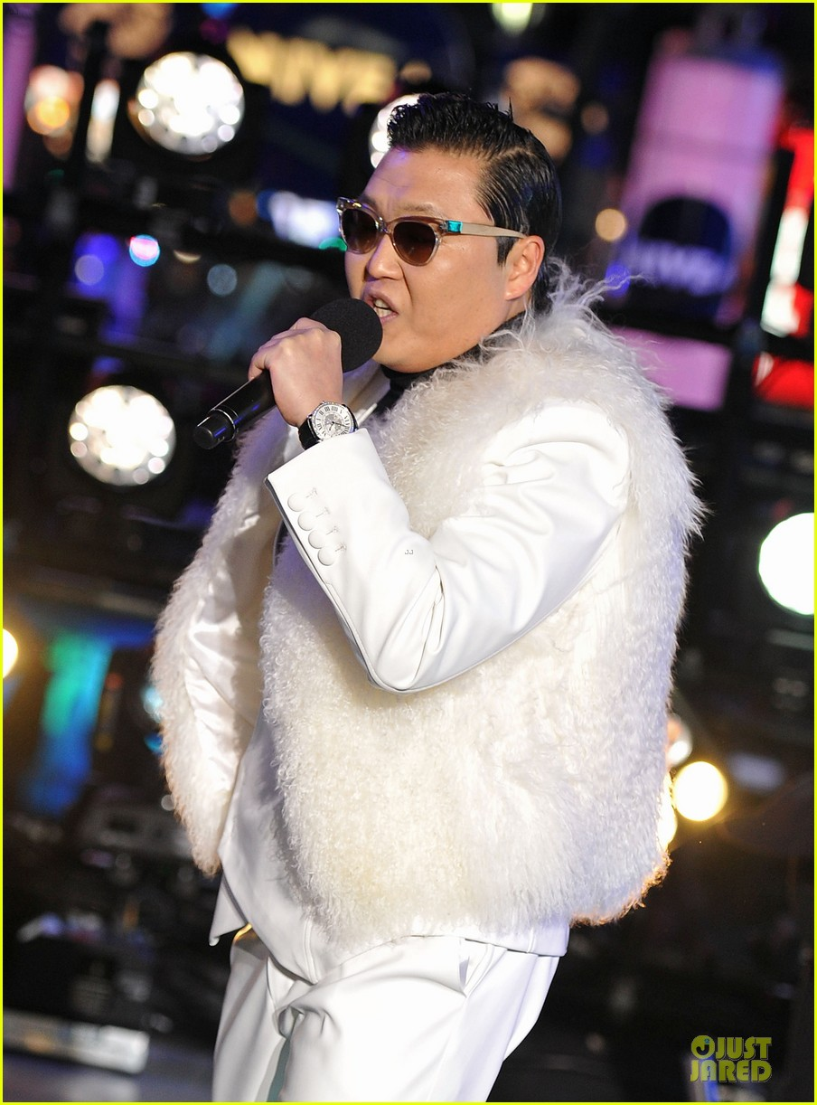 psy & mc hammer dick clark new year rockin eve wtih ryan seacrest duo 042783085