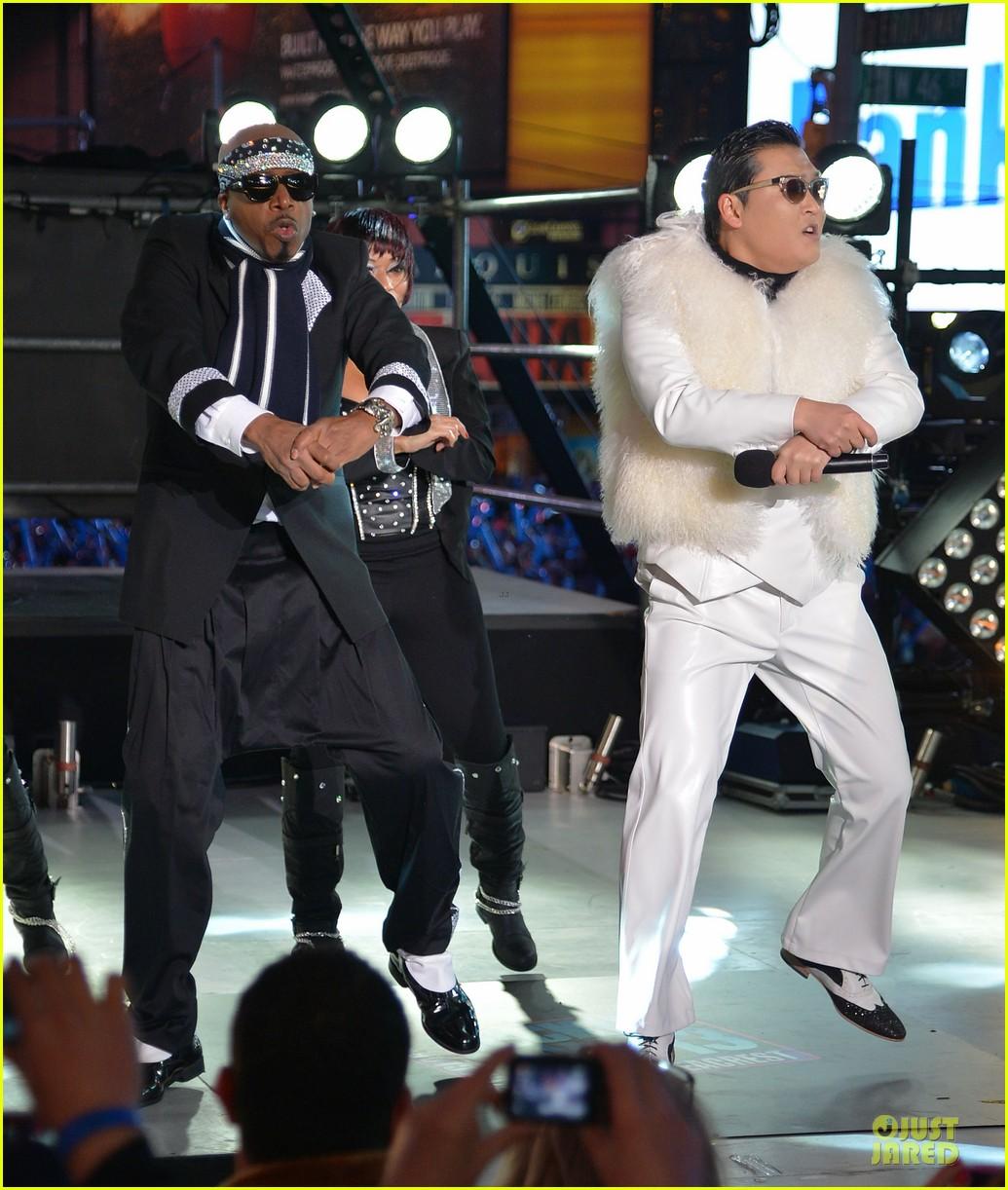 psy & mc hammer dick clark new year rockin eve wtih ryan seacrest duo 082783089