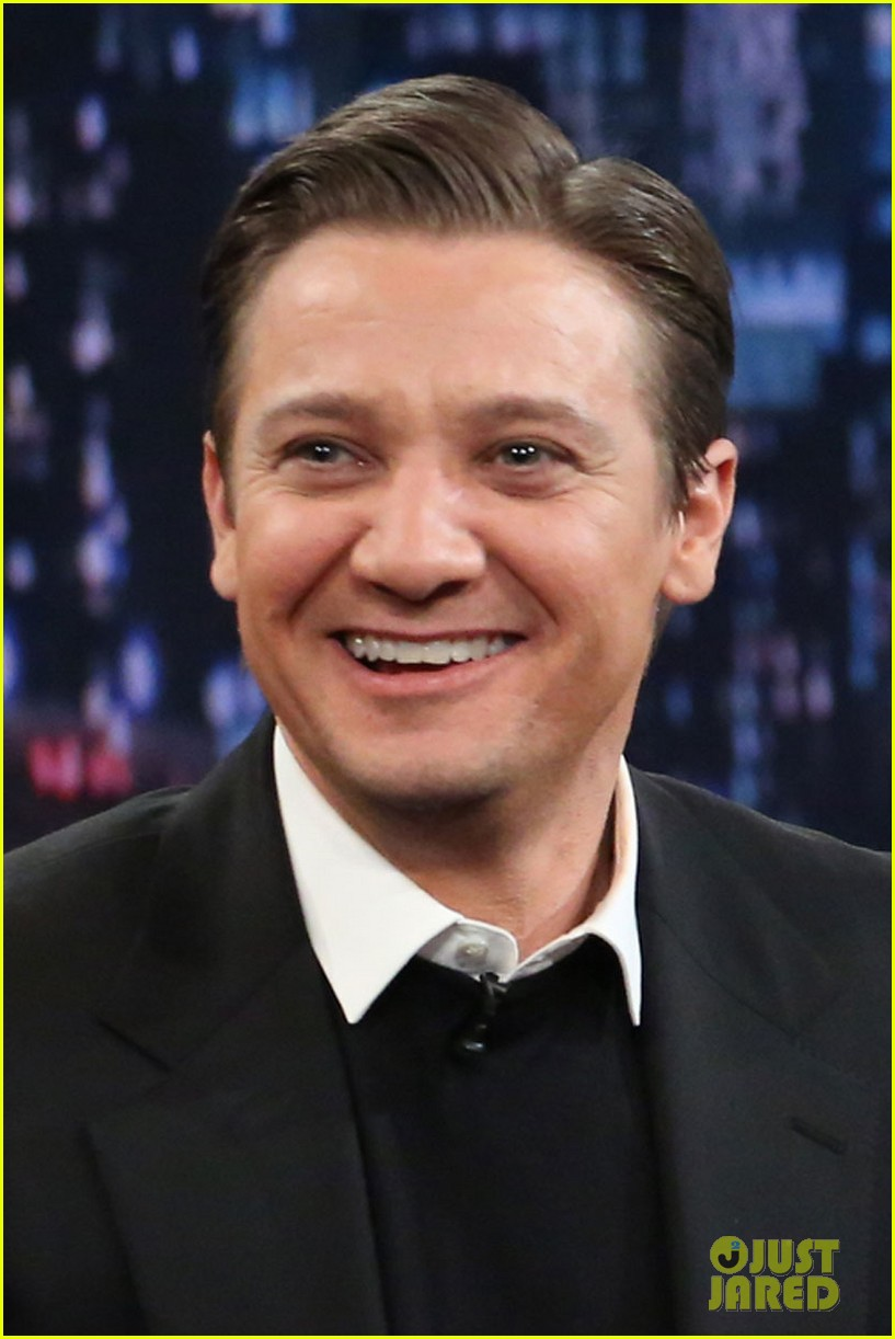 jeremy renner fallon appearance after baby news 012793485