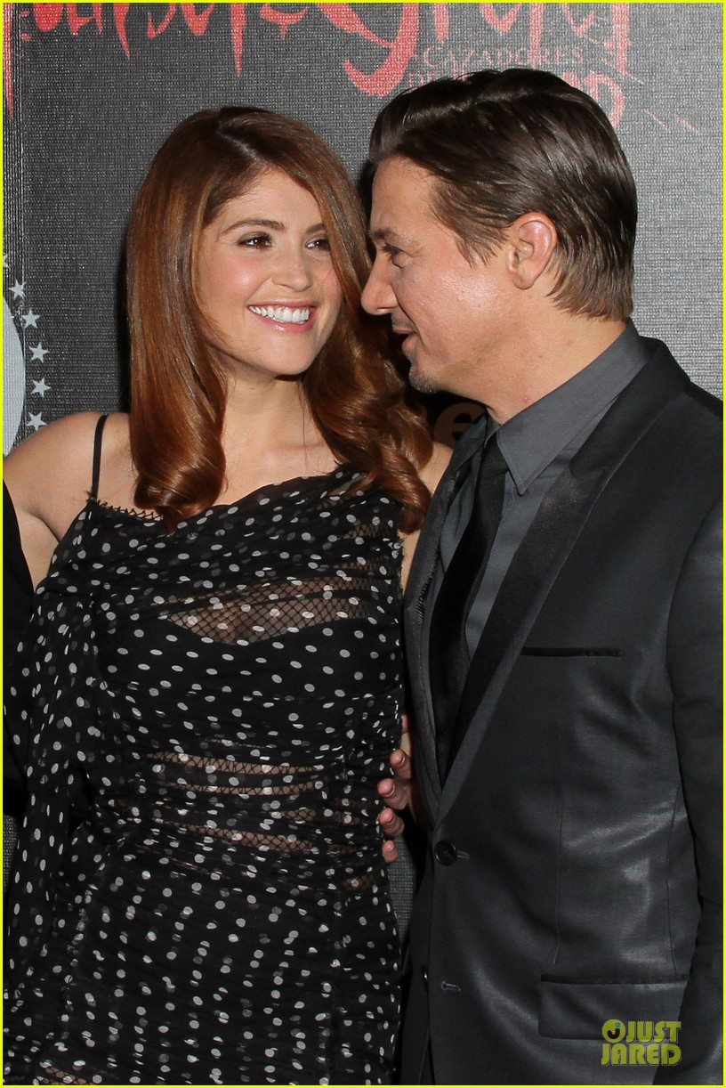 jeremy renner & gemma arterton hansel and gretel witch hunters mexican premiere 022789433