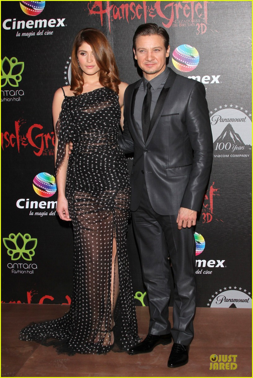 jeremy renner & gemma arterton hansel and gretel witch hunters mexican premiere 142789445