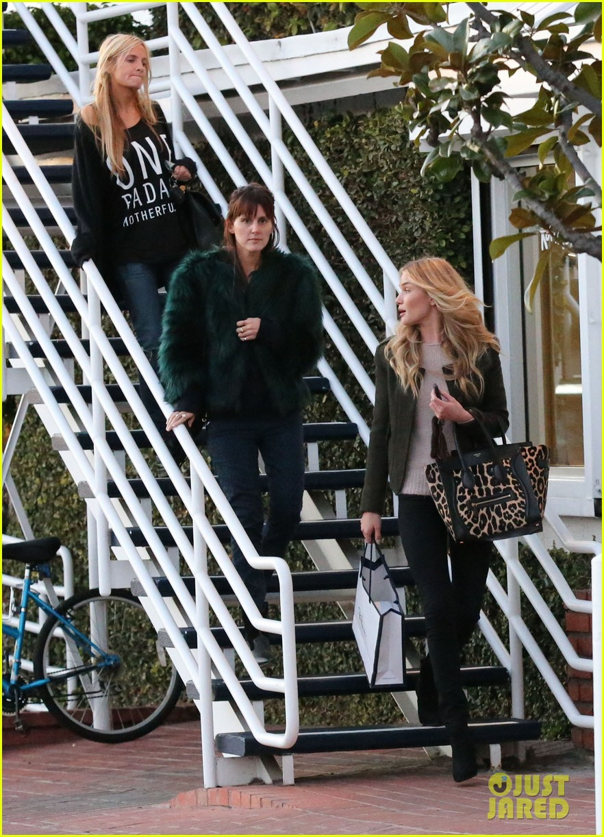 ryan reynolds rosie huntington whiteley separate fred segal outings 062790448