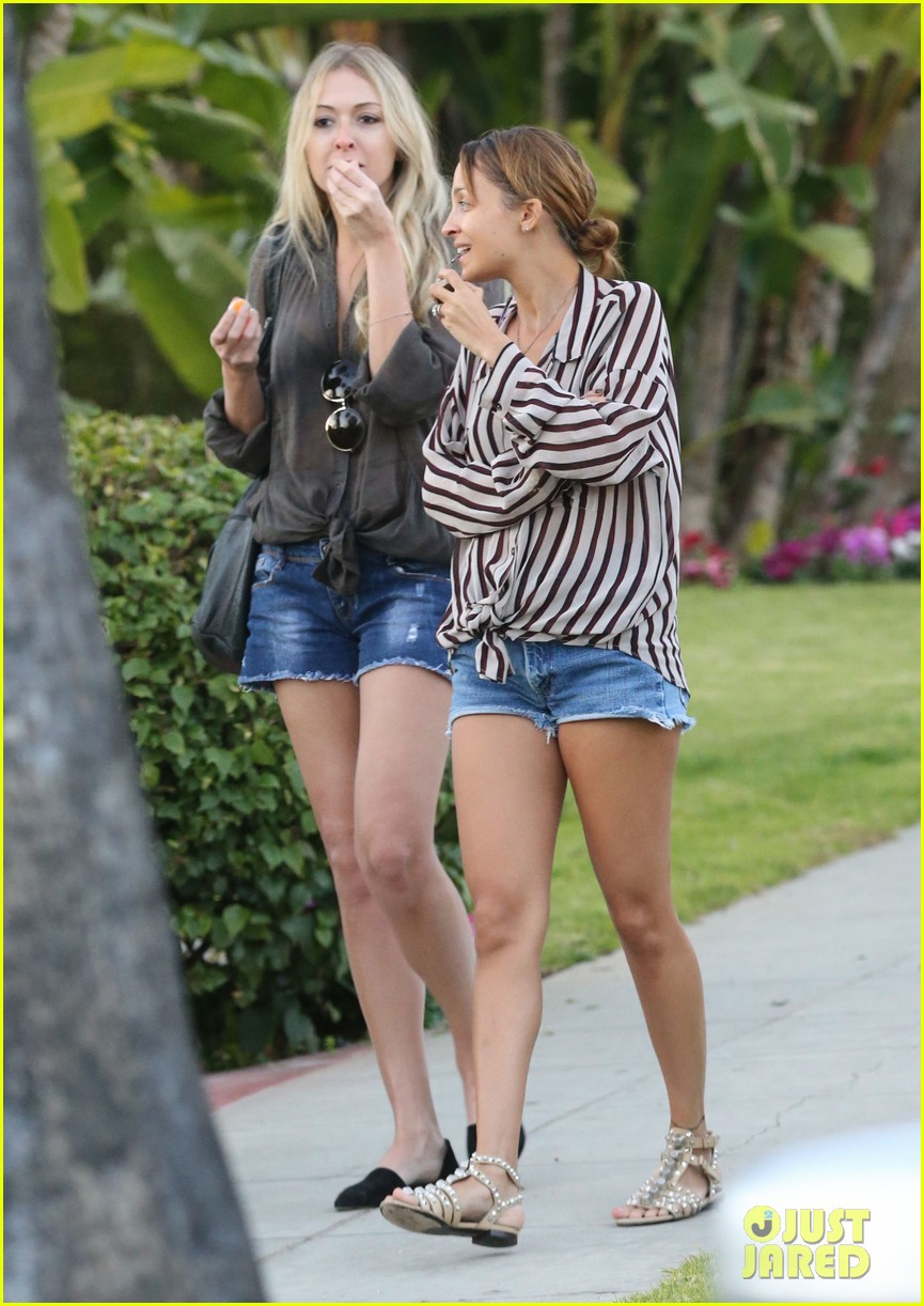 nicole richie beverly hills hotel party 082795317
