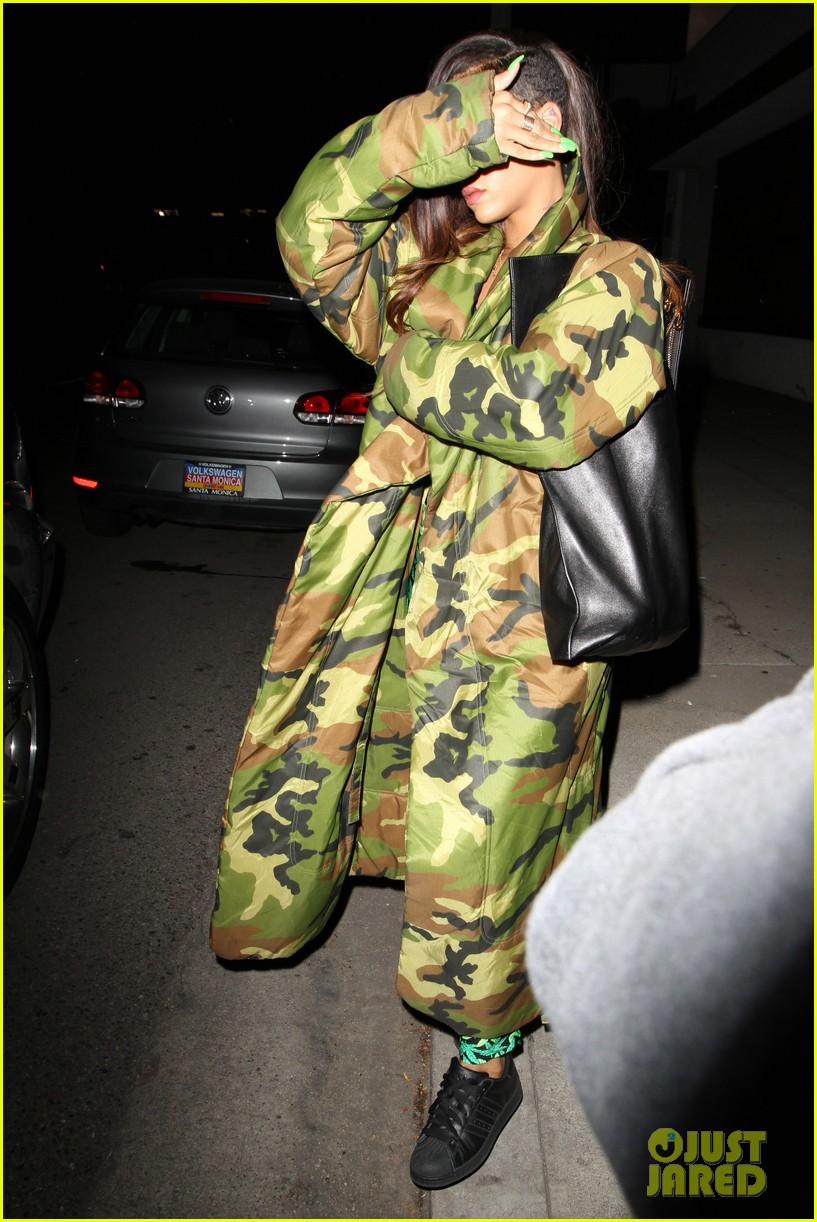 rihanna chris brown separate studio exits 032794186