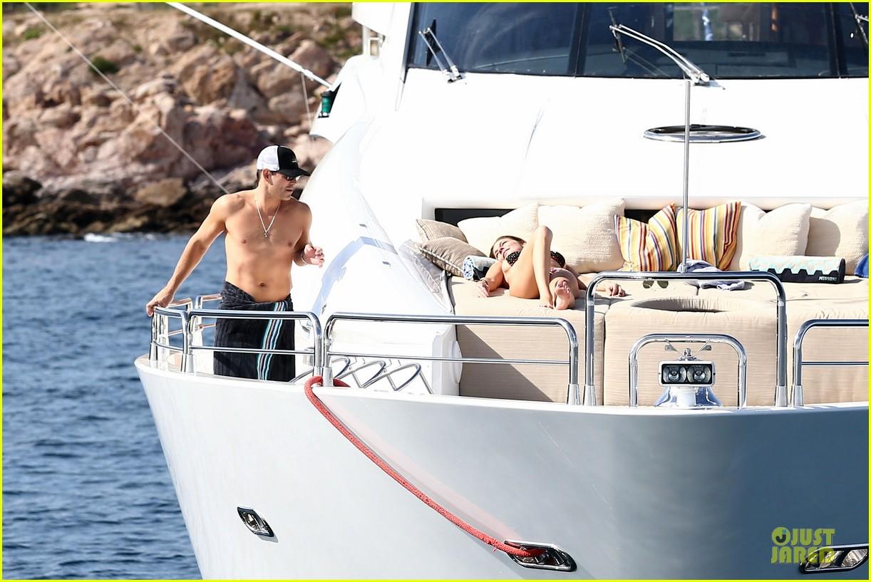 leann rimes bikini kissing with shirtless eddie cibrian 242783369