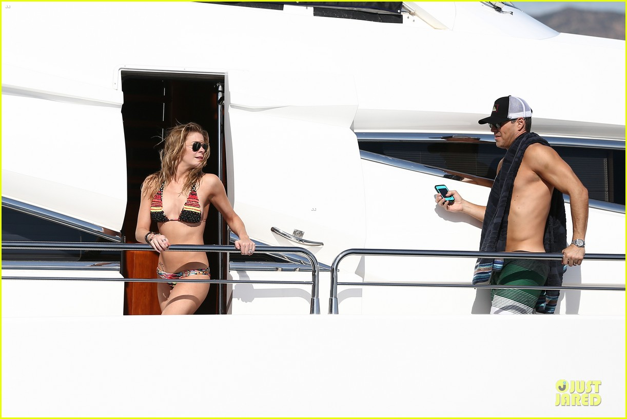 leann rimes bikini kissing with shirtless eddie cibrian 292783374
