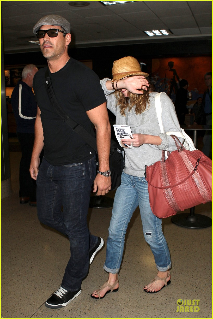 leann rimes traveling sick with eddie cibrian 012785015