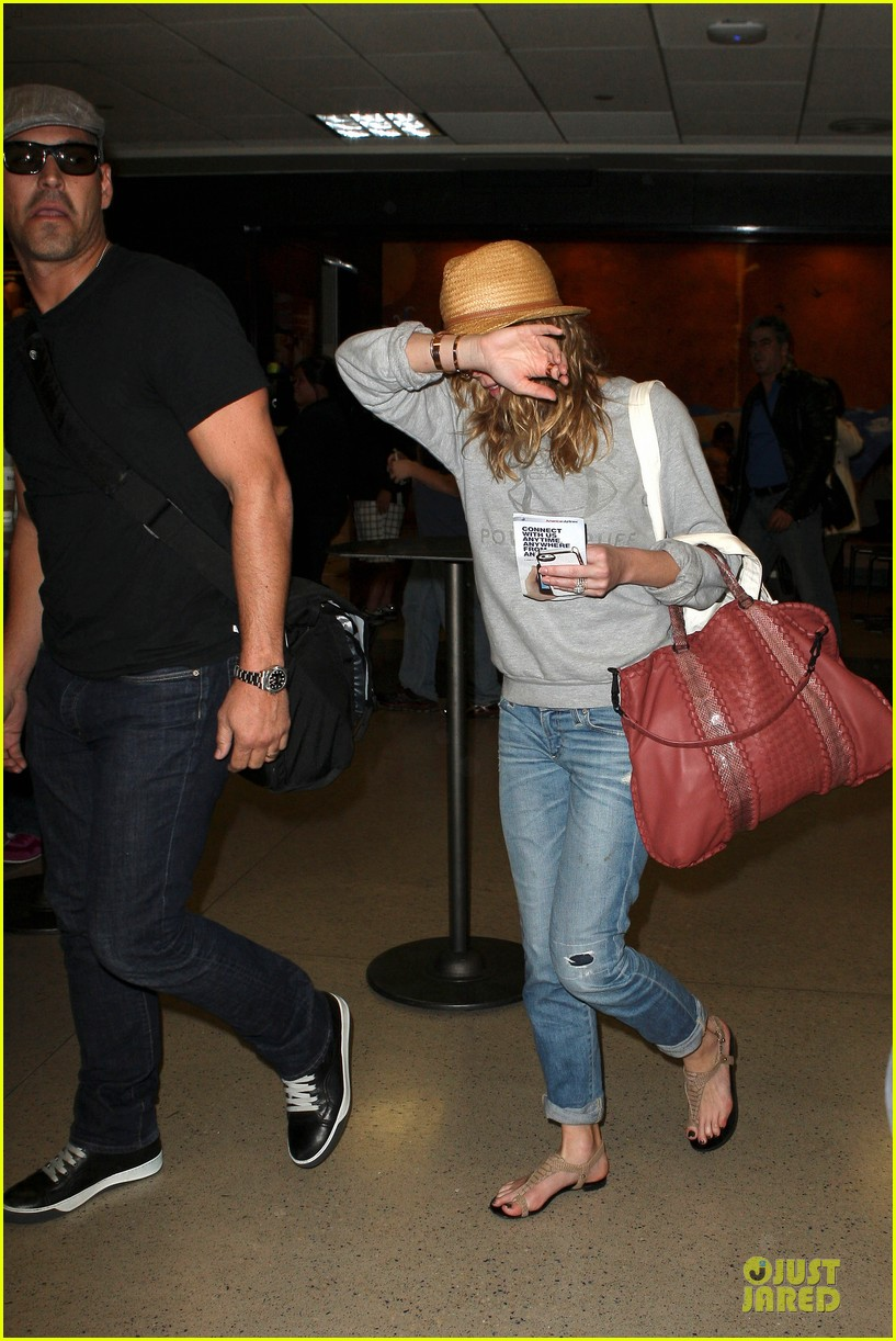 leann rimes traveling sick with eddie cibrian 162785030