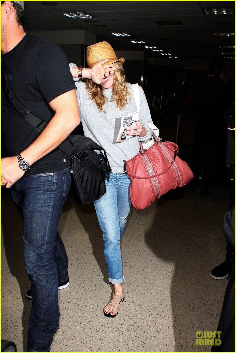 leann rimes traveling sick with eddie cibrian 222785036