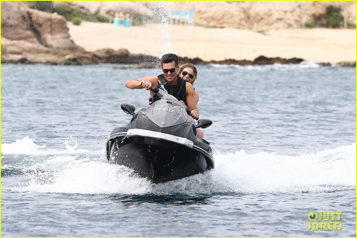 leann rimes eddie cibrian new years eve swimming in cabo 152783745