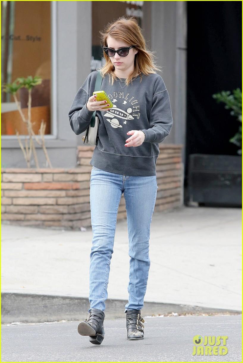emma roberts nail salon stop 16