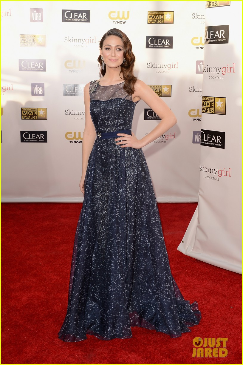 emmy rossum critics choice awards 2013 red carpet 01