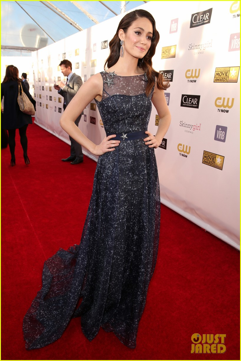 emmy rossum critics choice awards 2013 red carpet 032788642