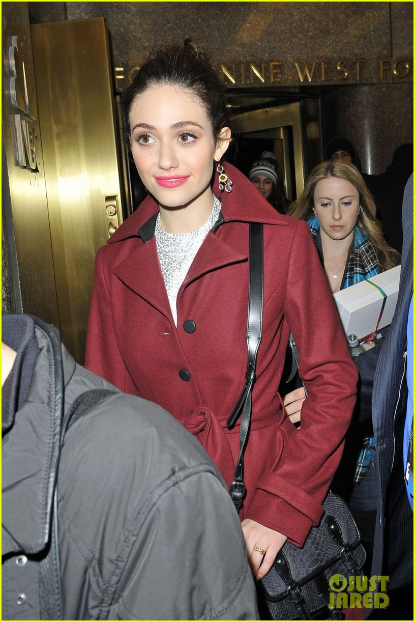 emmy rossum late night with jimmy fallon appearance 052793132