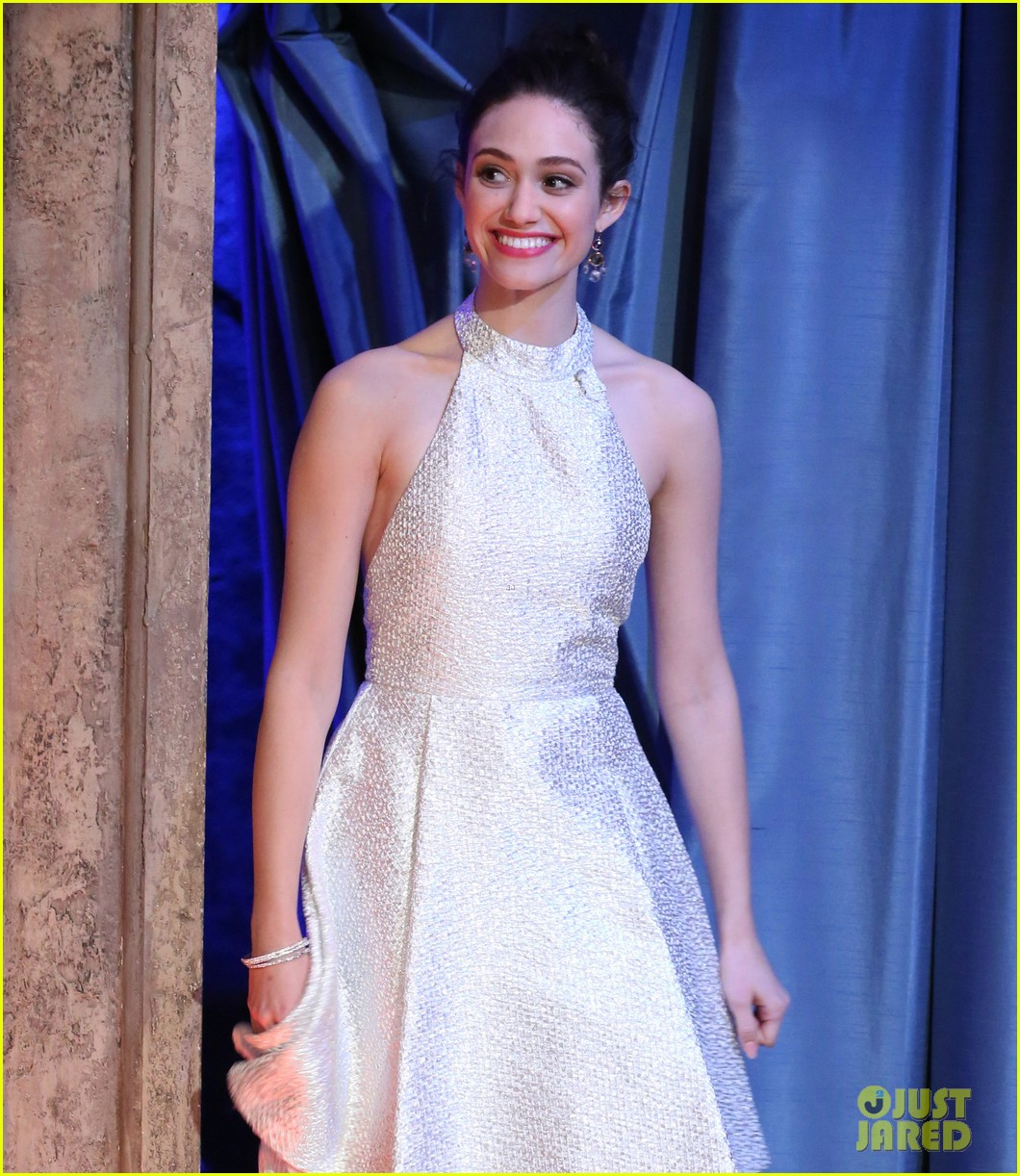 emmy rossum late night with jimmy fallon appearance 082793135